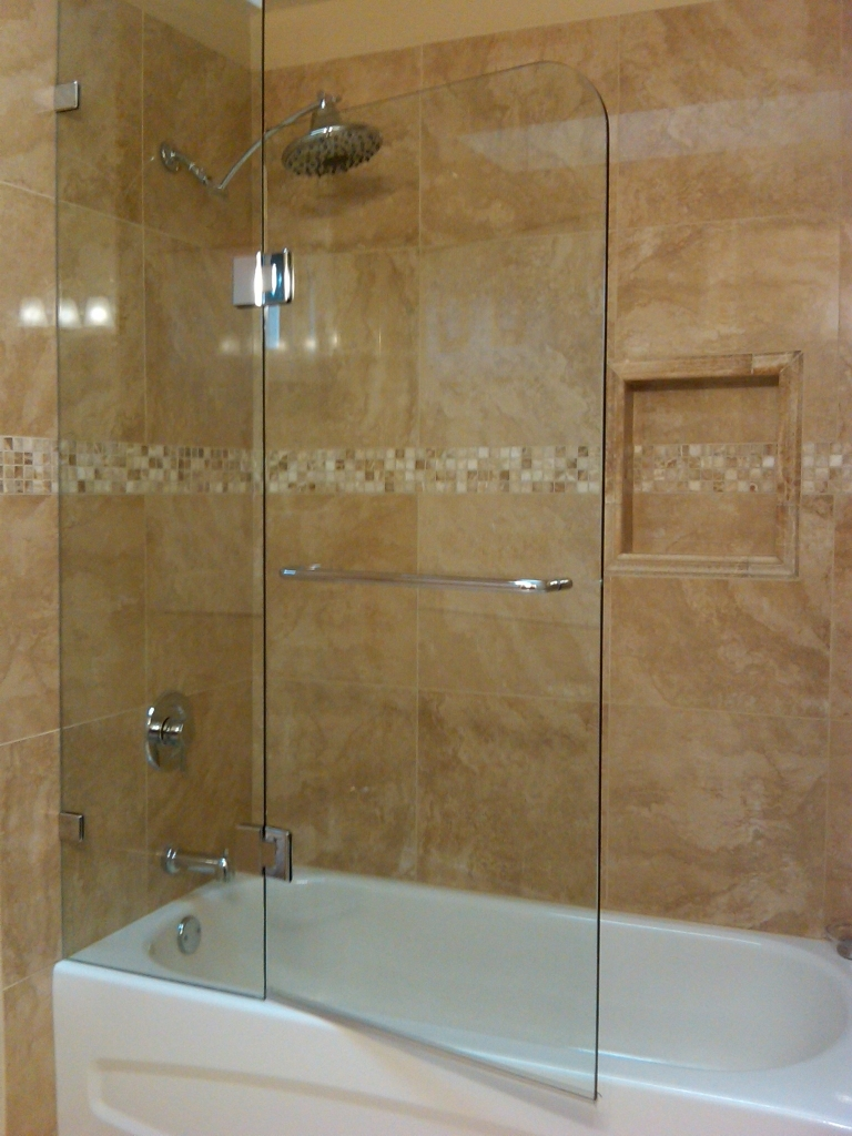 Fixed Panel And Door European Style Tub Glass